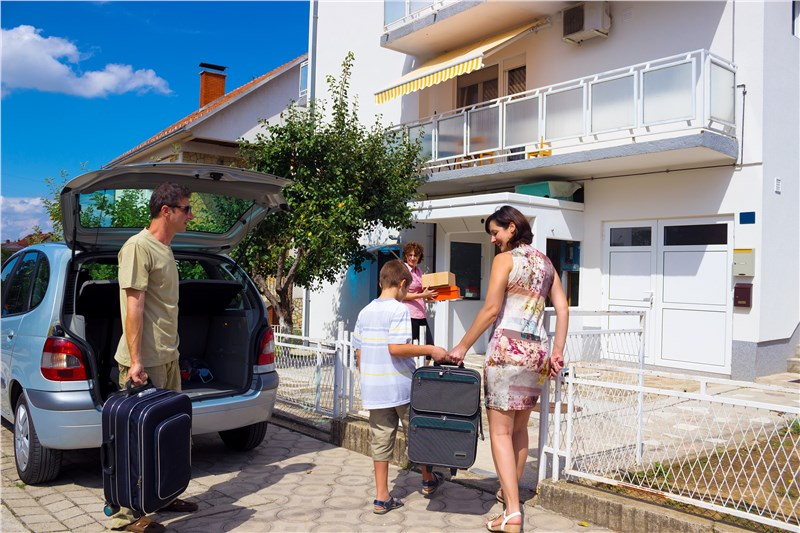 5 Factors to Consider When Choosing Your Neighborhood