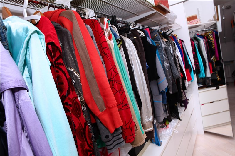 4 Tips for Packing Up Your Closet