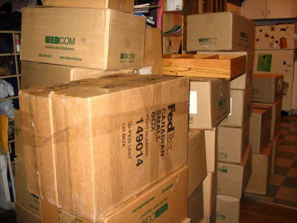 Moving on a Budget? Coleman Allied Suggests Recycling used Boxes!
