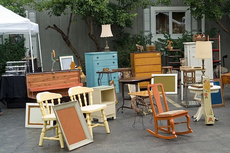 Keep, Sell or Donate: Tips for Selling Furniture Before Your Move