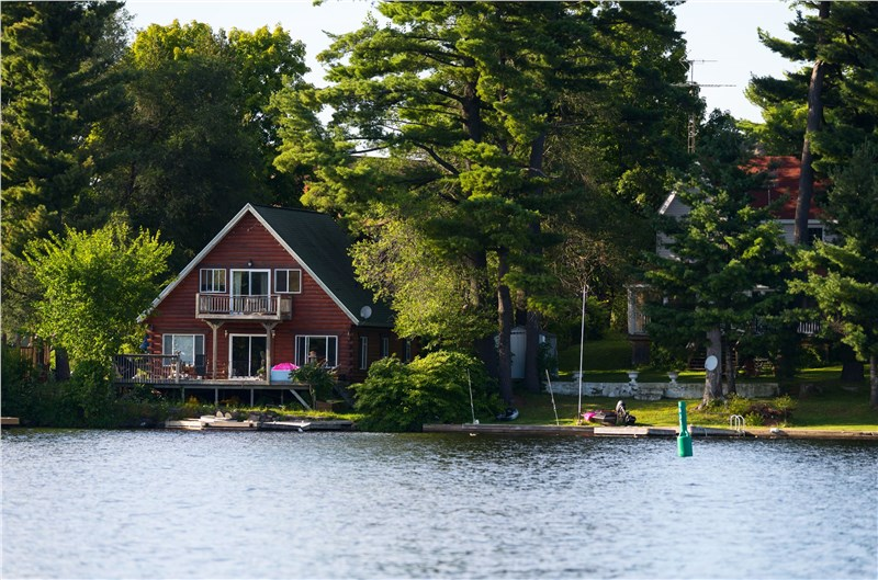 10  Tips  For  Closing  Up  the  Lake  House