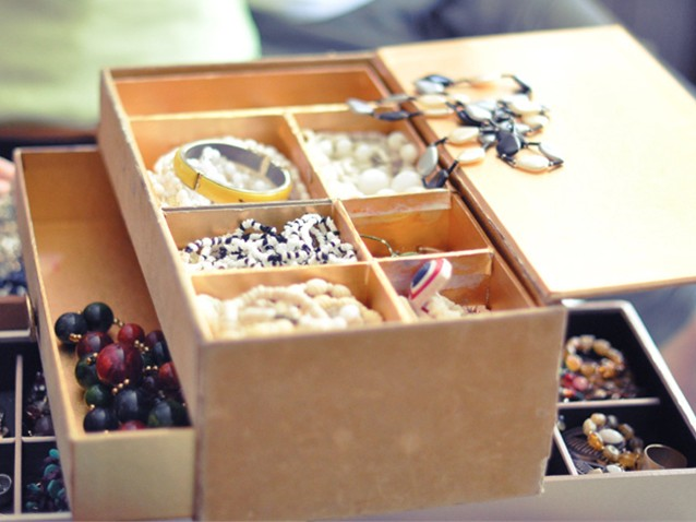HOW TO KEEP YOUR JEWELRY SAFE DURING A MOVE