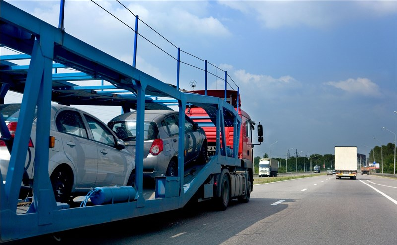 transporting vehicles long distance