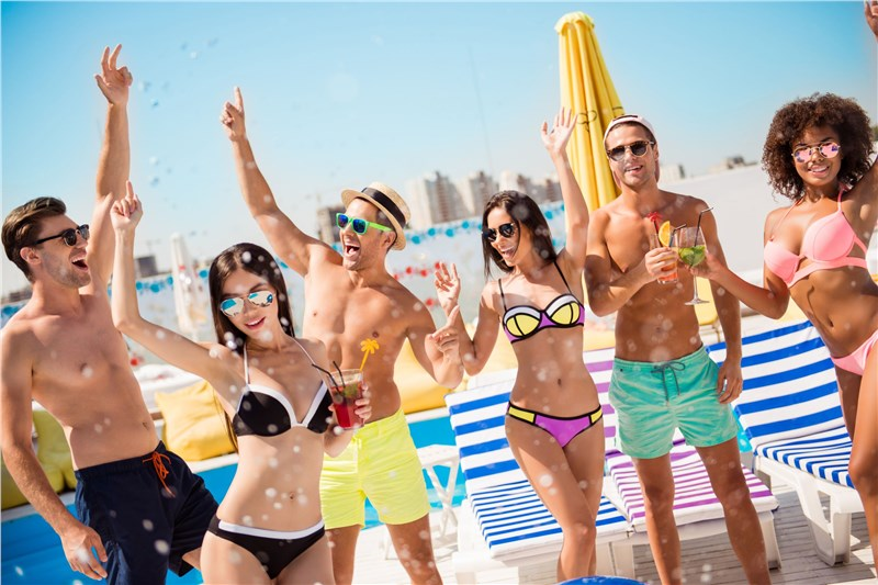 miami beach spring break party-goers