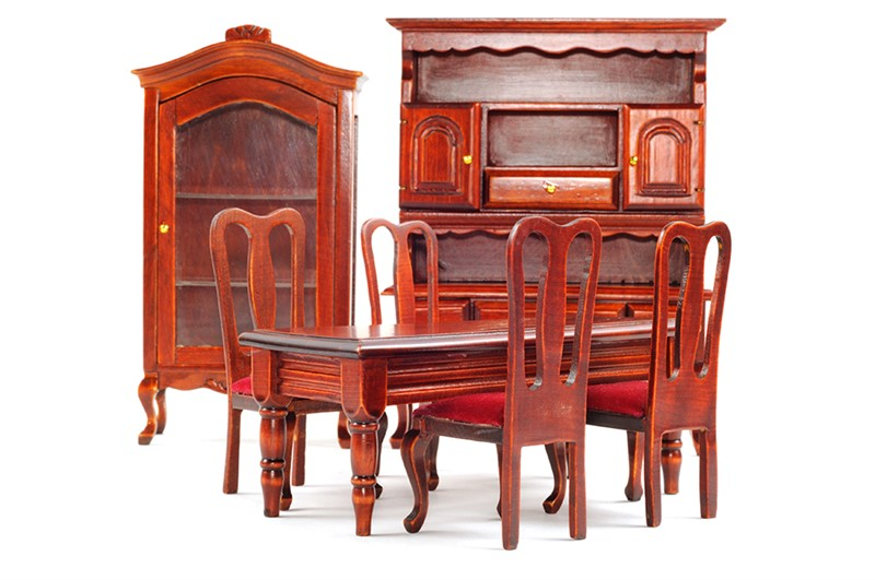 The Process Used by Moving Companies to Move Antique Furniture