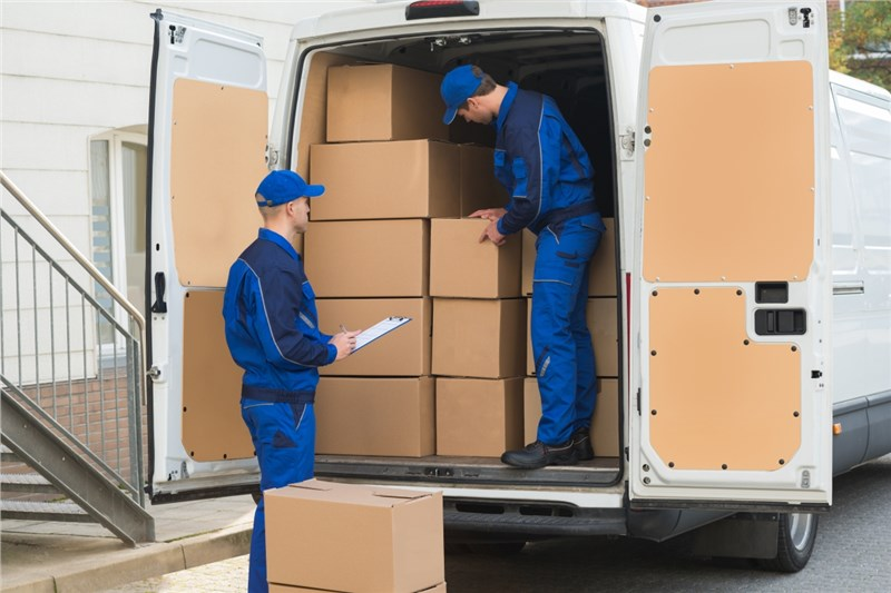 Choosing Your Moving Company: Researching and Comparing Services in Your Area