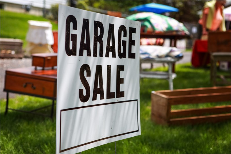Top Moving Tip in 2018 - Cut Costs with a Garage Sale