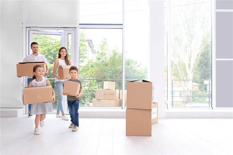 Your Official Guide to Moving With Kids in 2019