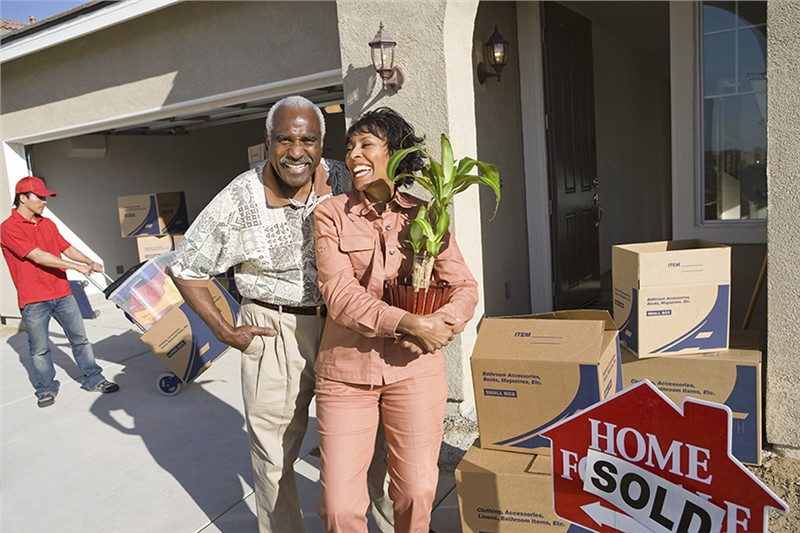 Take the Stress Out of Your Senior Move with the Right Fresno Long-Distance Moving Company