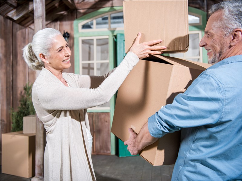 5 Tips to Make Moving Seniors Less Stressful