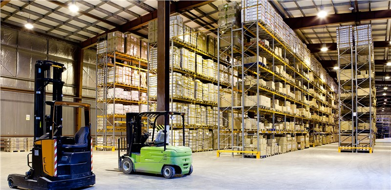 Which Commercial Storage Solution Is Best for Your Sacramento Business?