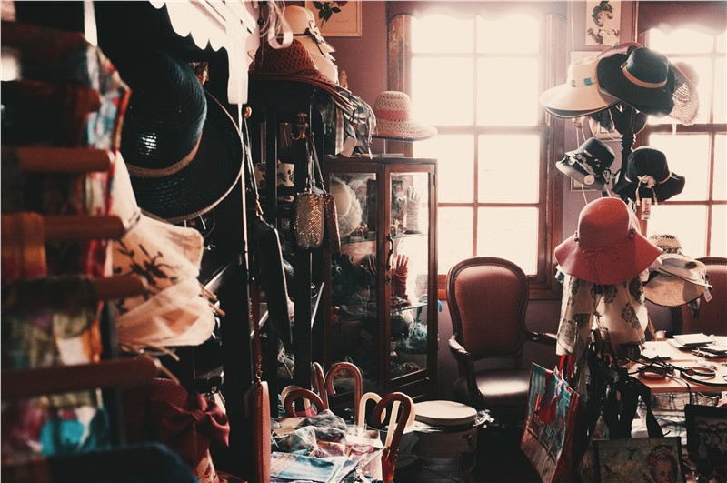 How to Clear out the Clutter For an Easy Move