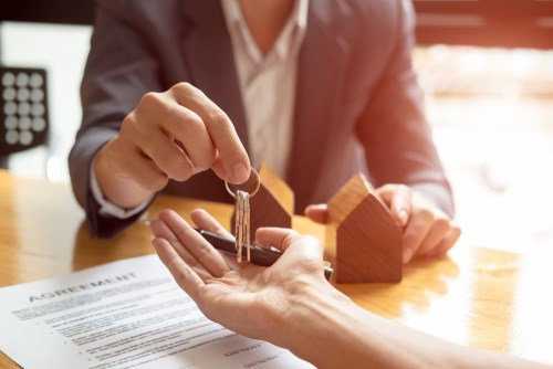 3 Questions to Ask Before Hiring a Moving Broker or Moving Company